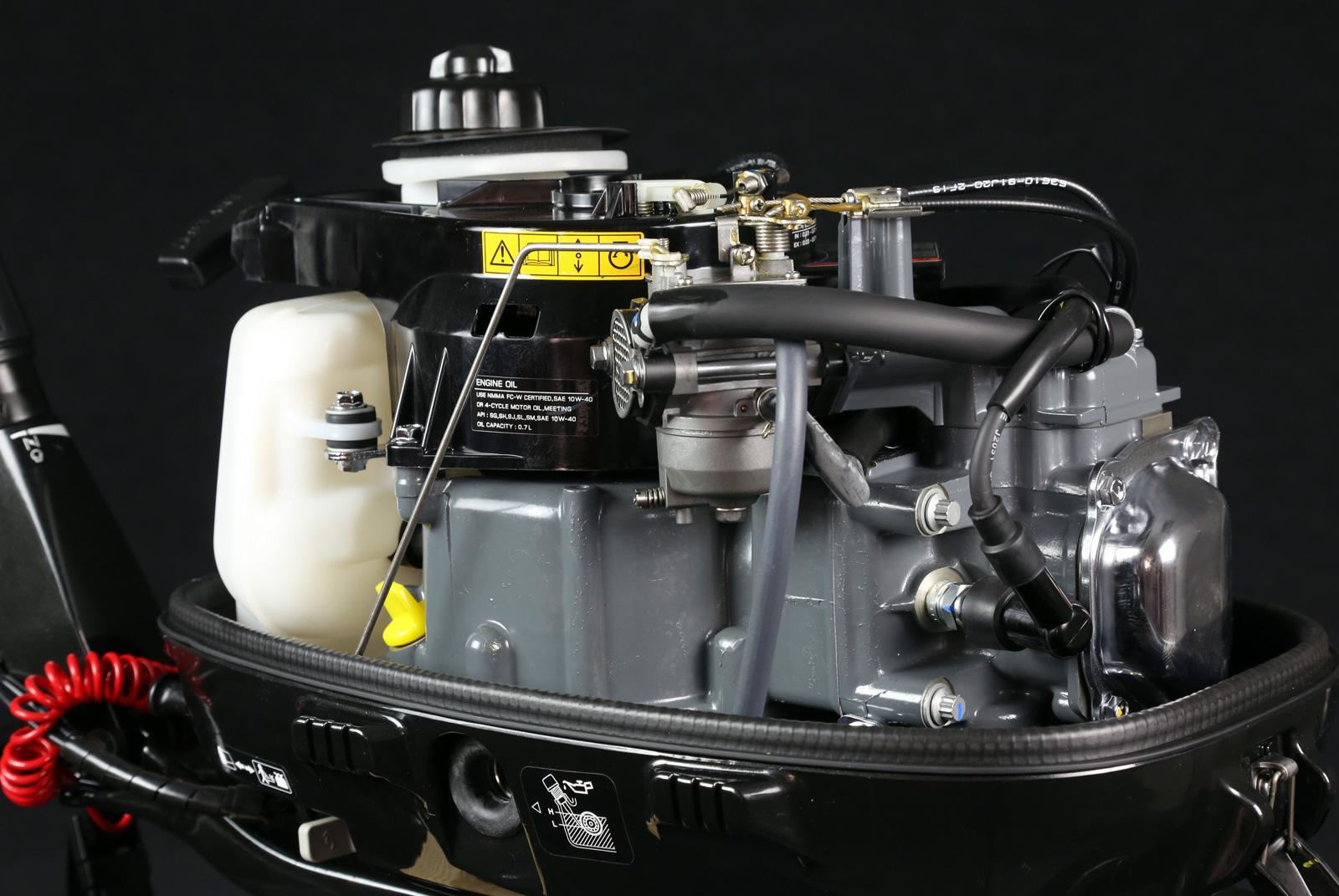 4-х тактный двигатель сузуки на лодку
